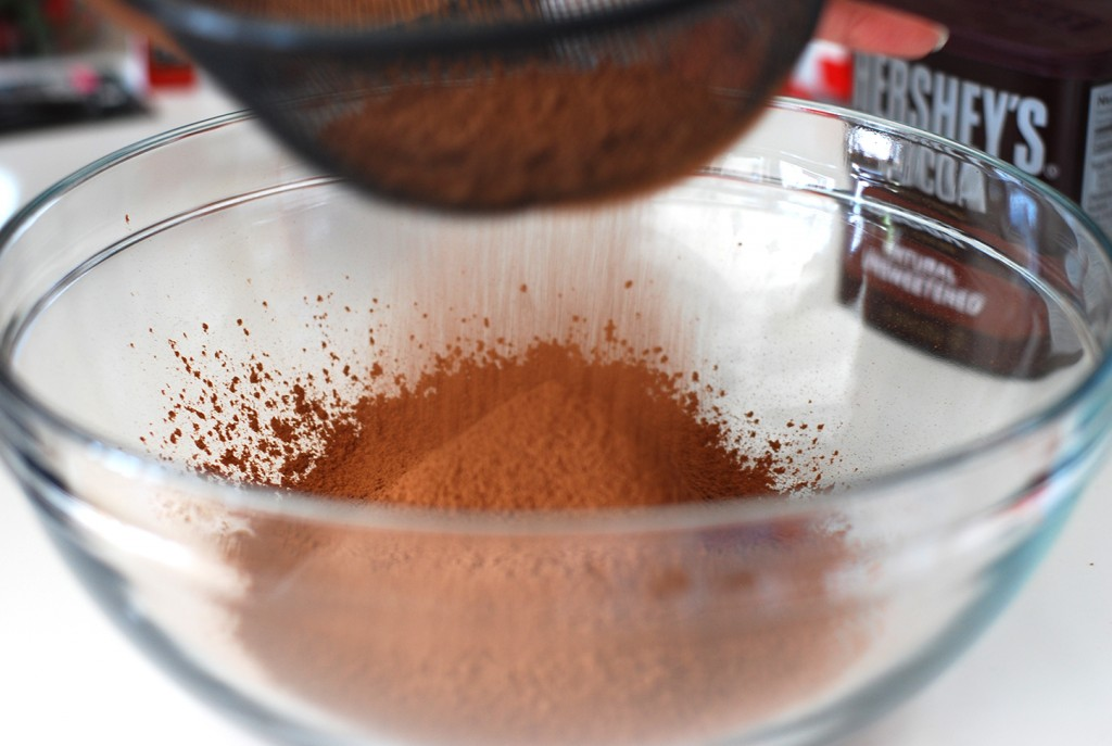 Cocoa Powder Sifting