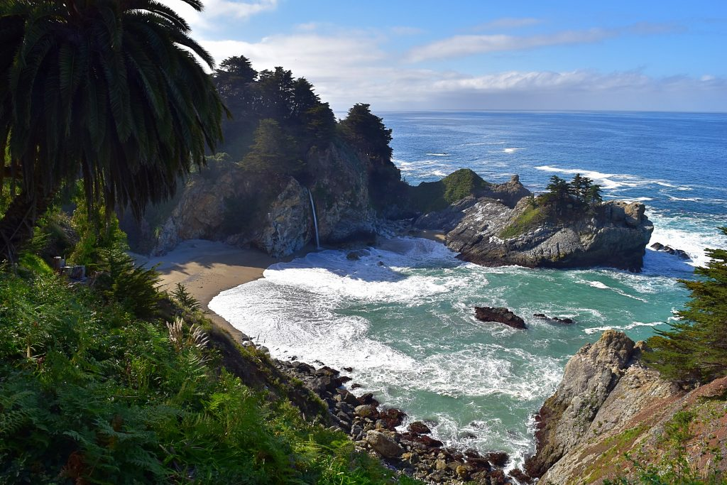 Julia Pfeiffer Burns State Park - Big Sur, California | getinmymouf.com