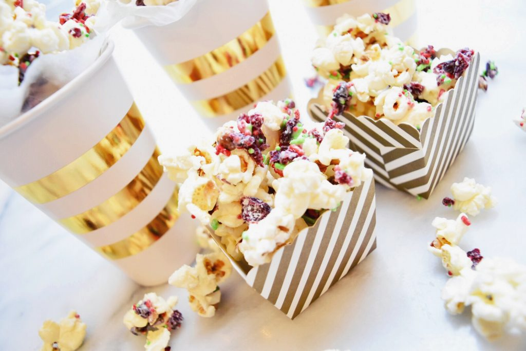 White Chocolate Cranberry Popcorn | getinmymouf.com