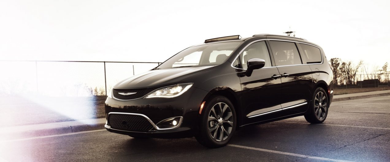2017 Chrysler Pacifica Limited | getinmymouf.com